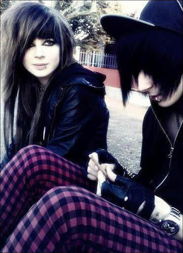 Annabelle and Jackle Medium Scene Hair, Short Scene Hair, Indie Scene Hair, Scene Bangs, Hair Medium, Emo Hair, Cute Emo Couples, Scene Couples, Teen Fashion