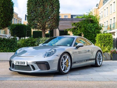 Used 2018 Porsche 911 GT3 Touring for sale in London | Pistonheads