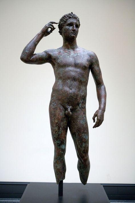 Risalente statue di bronzo