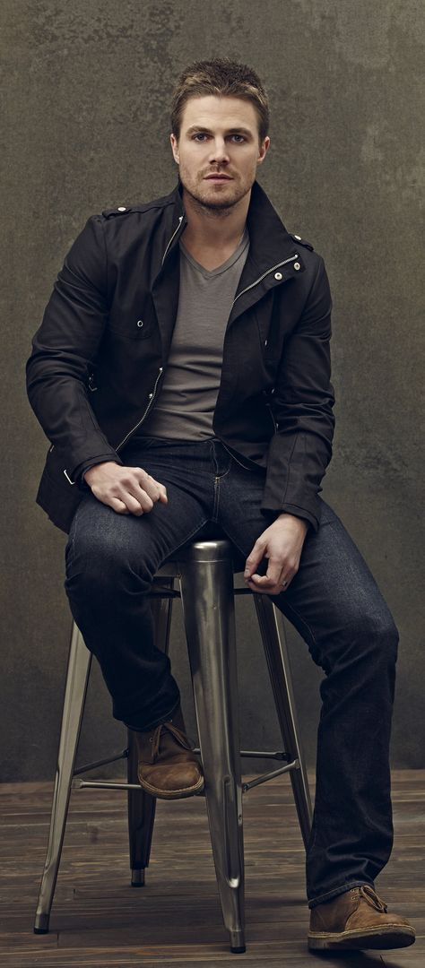 Arrow - New Promo Pics - Stephen Amell (Oliver Queen) I kinda like this show!! <---kind? *staring judgmentally*
