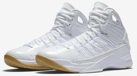 timeless design d9eba ef228 The Nike Hyperdunk Lux Men s Basketball Shoe redefines the 2008 style that  set the standard for ultralight basketball innovation as a luxury lifestyle  ...