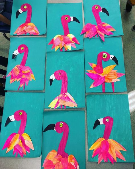 Our Flamingos are coming together nicely, not done yet, but a pretty good start! Kindergarten Art Lessons, Art Lessons Elementary, Spring Art Projects, School Art Projects, Art Rubric, Animal Art Projects, Jr Art, Flamingo Art, Ecole Art