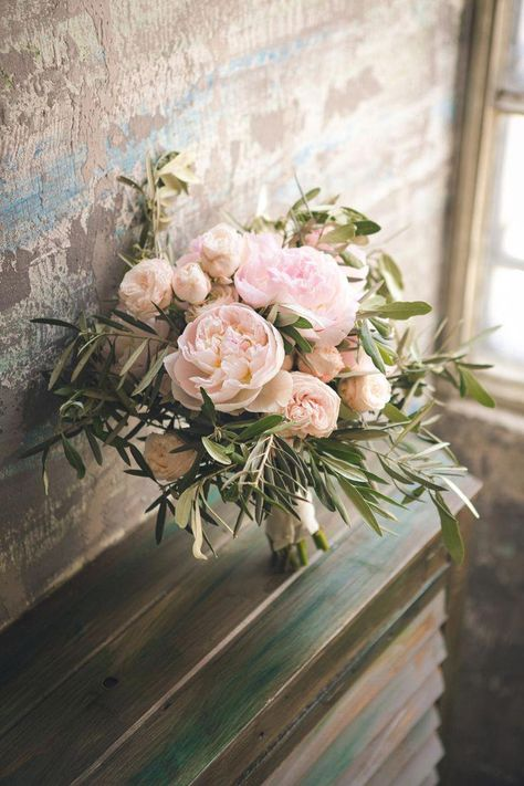 Bouquet Sposa Una Rosa.Finding Wedding Flowers From The Best Florist Peonie Bouquet Da