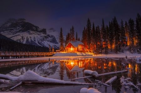 House By The Lake In Winter Night Winter Wallpaper Id 2348601