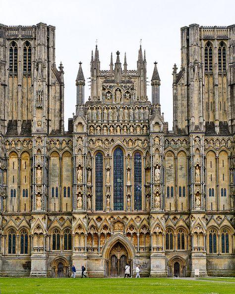 #Wells Cathedral, #Somerset, England -  Version Voyages, www.versionvoyages.fr