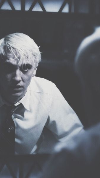 Draco Malfoy Wallpapers Harry Potter In 2020 Draco Malfoy Draco Malfoy Aesthetic Draco Malfoy Hot