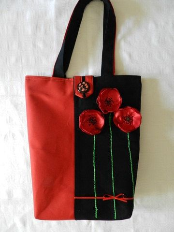 Eco tote bag with poppy by Hungarianhouse on Etsy Homemade Bags, Fabric Tote Bags, Embroidery Bags, Diy Handbag, Simple Bags, Denim Bag, Quilted Bag, Kids Bags, Zipper Bags