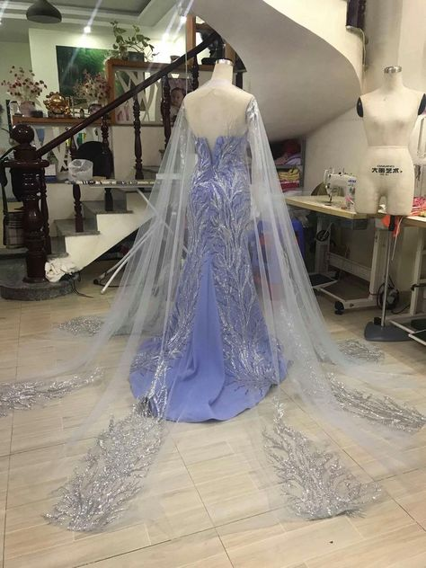 Robes Disney, Disney Costumes, Mermaid Costumes, Adult Costumes, Pretty Dresses, Beautiful Dresses, Belle Costume, Mouse Costume, Couple Halloween Costumes For Adults