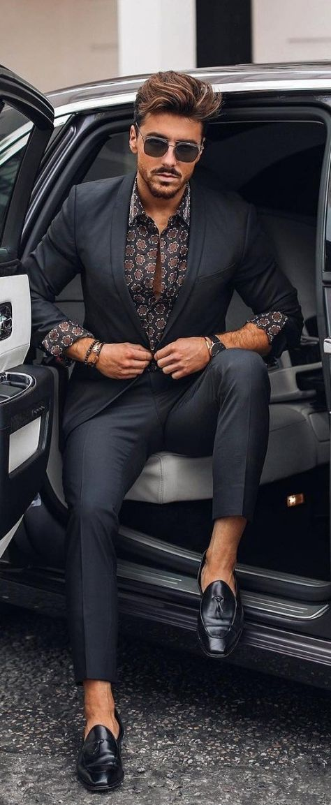 Summer Work Wear -Men's Fashion Get a jump on the new season with these 17 men's fashion trends that hit the marks for style and comfort. 17 Men's Fashion Ideas For Inspiration!