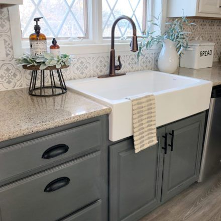 Drop-in kitchen sinks are the most used sink by the homeowners because it is easy to install and available in many shapes, sizes, even materials. drop in kitchen sink Kitchen Sink Decor, Drop In Kitchen Sink, Farmhouse Sink Kitchen, Kitchen Dinning, Kitchen Redo, Country Kitchen, New Kitchen, Kitchen Remodel, Drop In Farmhouse Sink