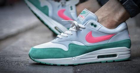 Coming soon! Nike Air Max 1 'Watermelon' </p>                     </div> 		  <!--bof Product URL --> 										<!--eof Product URL --> 					<!--bof Quantity Discounts table --> 											<!--eof Quantity Discounts table --> 				</div> 				                       			</dd> 						<dt class=
