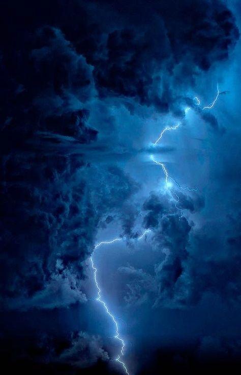 Physics and mathematics thunderstorms aesthetic, lightning storm thunderstorms, storm clouds thun