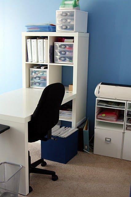 built in desk/bookshelf