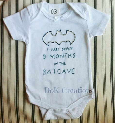 9ca48e7907f Pin από το χρήστη DoK🎈 στον πίνακα handmade baby onesies painted by hand  DoK Creations