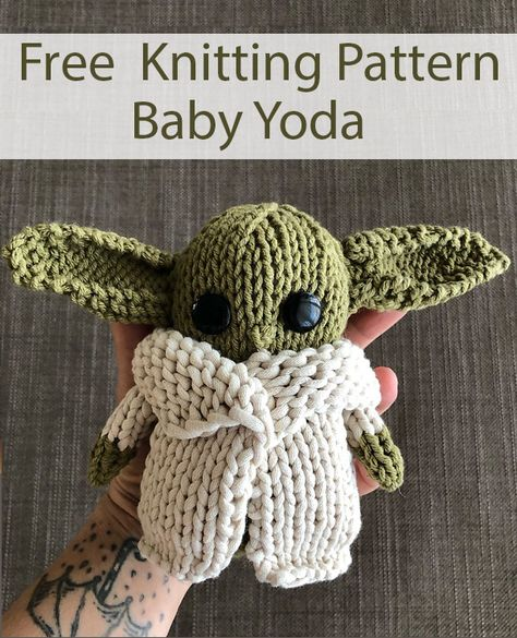 Free Knitting Pattern for The Child Baby Yoda Toy Amigurmi - Inspired by the Star Wars The Mandalorian The Child baby alien The final doll measures approximately 6 1 2 tall and 4 wide at the mid-body Worsted weight yarn Designed by Kim Konen # Knitting Patterns Free, Crochet Patterns, Diy Knitting Ideas, Knitting Toys Easy, Diy Knitting For Beginners, Free Knitting Patterns For Women, Kids Knitting, Easy Knitting Projects, Knitting Stitches