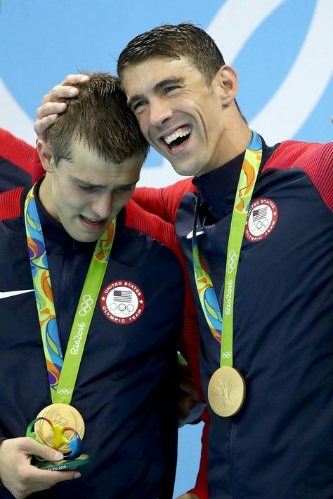 RIO DE JANEIRO, BRAZIL - AUGUST 07: Ryan Held and Michael Phelps of the United…