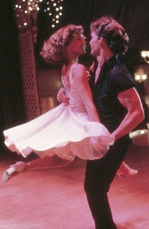 'Dirty Dancing' - Jennifer Grey, Patrick Swayze - 1987 This classic film shows the REAL passion and Love in dance move over Fred andGinger 80s Aesthetic, Aesthetic Photo, Aesthetic Pictures, Aesthetic Movies, Iconic Movies, Old Movies, Pink Movies, Famous Movie Scenes, Iconic Movie Posters