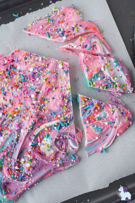 Fun and easy unicorn bark makes for a magical party treat! Fun and easy unicorn bark makes for a magical party treat! Unicorn Themed Birthday Party, Cake Birthday, 8th Birthday, Diy Birthday Treats, 7th Birthday Party For Girls Themes, Jojo Siwa Birthday Cake, Unicorn Themed Cake, Easy Kids Birthday Cakes, Diy Unicorn Birthday Party