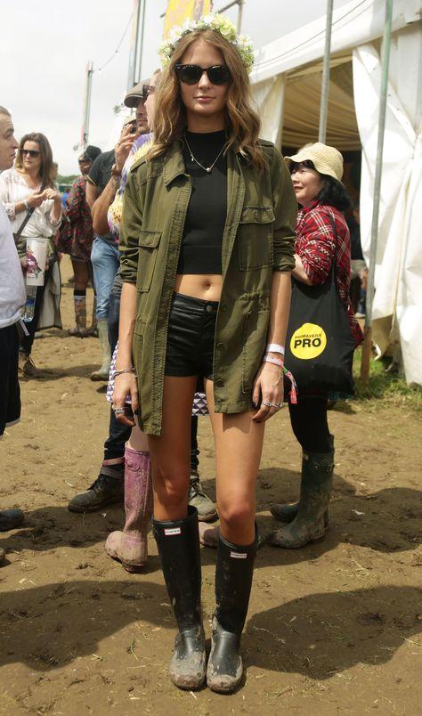 black mock turtle crop + black shorts + army jacket + boots // @dressmeSue