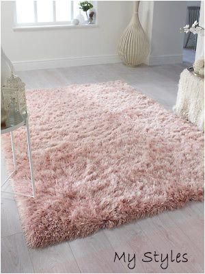 Pin By Ciara Dunphy On Bedroom Ideas In 2020 Modern Rugs Living Room Rugs In Living Room Fluffy Rugs Bedroom