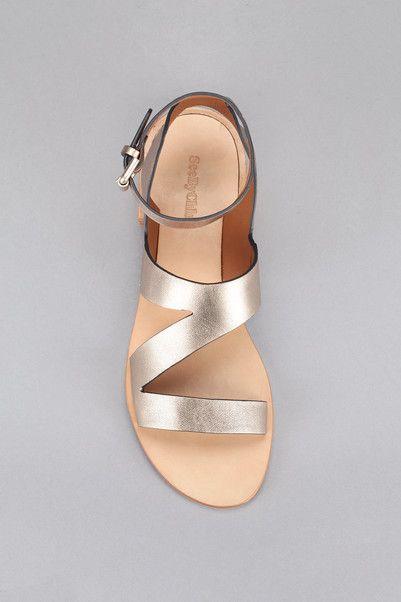 42ef70af81293 Sandales cuir dorées Doré See by Chloé sur MonShowroom.com ...