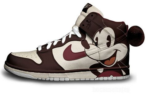 Nike Oldie Mickey Mouse | Mickey shoes, Disney shoes, Mickey