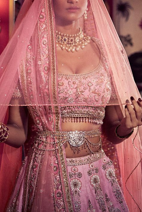 Latest 2020 Tarun Tahiliani Lehenga Prices Will.Shock You! Ok, let's not be that dramatic. To just tell you upfront – All of Tarun Tahiliani Lehenga in this post cost between INR 5 lakhs to INR 10 Lakhs. Indian Bridal Outfits, Indian Dresses, Indian Attire, Indian Wear, Bridesmaid Saree, Tarun Tahiliani, Lehenga Collection, Bollywood, Indian Designer Wear