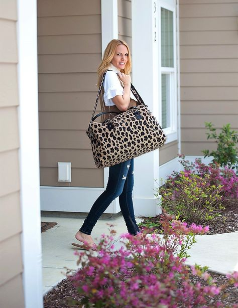 Leopard Travel Bag, Monogram Travel Bag, Monogram Weekender Bag #TravelBag #WeekendBag #MonogrammedBag #LeopardBag #monogramgifts #thesouthernspool #personalizedgifts