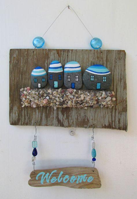 Treibholz Willkommensschild mit Felsen, Muscheln und Perlen bereit-zu-Schiff