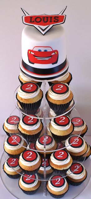 1000+ ideas about Lightning Mcqueen Cake on Pinterest ...