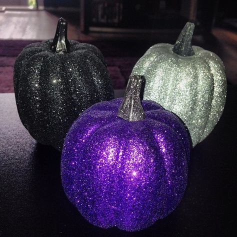 Glitter pumpkins discovered by Lauren on We Heart It