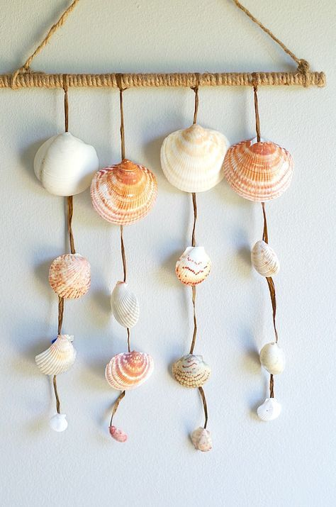 Simple Diy Seashell Wall Hanging With Shells Collected From The Beach Simple Wall Decor Easy Wall Decor Diy Wall Decor Diy Living Room