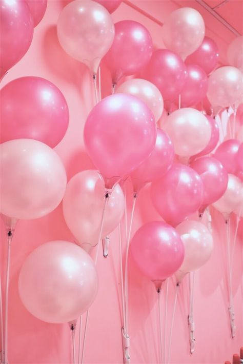 Image discovered by Guwii. Find images and videos about pink, party and ballons on We Heart It - the app to get lost in what you love. Collage Mural, Bedroom Wall Collage, Photo Wall Collage, Picture Wall, Baby Pink Aesthetic, Aesthetic Colors, Aesthetic Collage, Aesthetic Pictures, Aesthetic Photo