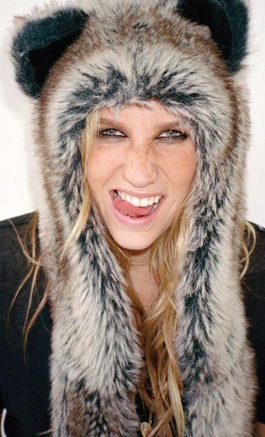 Keshas revealing acts!