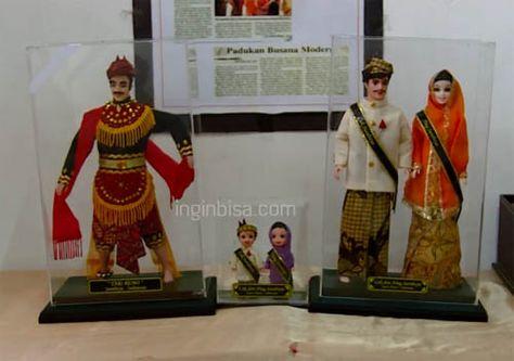 Membuat Boneka Berpakaian Adat Khas Indonesia