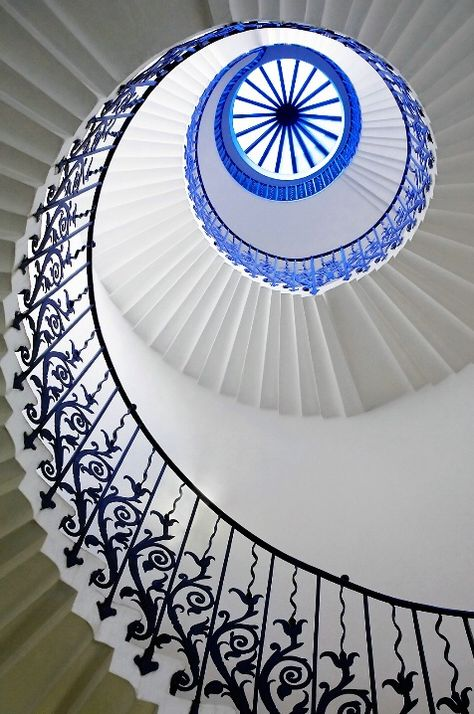 Tulip Eye - the wonderful tulip staircase in the Queens House, London