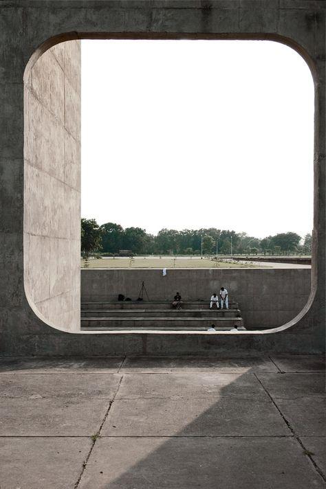 Open Hand   Chandigarh   Le Corbusier