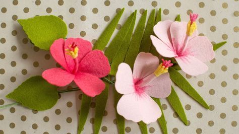 How To Make A Felt Hibiscus Flower Youtube Felt Flowers Flower Video Tutorials Flower Video