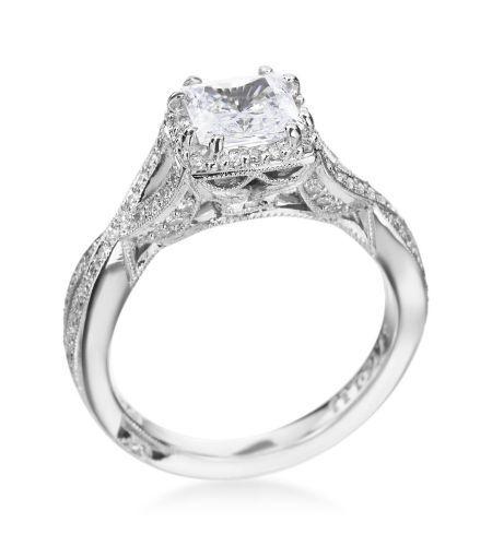 Tacori - Dantela Platinum Princess Twist Setting