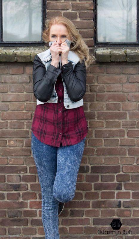 Stoer #spijkerjas met leren mouwen #studds #dress | Outfits