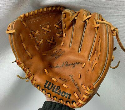 Advertisement Ebay Wilson A2275 Mike Flanagan Cy Young Winner 10 Right Handed Throw Baseball Glove In 2020 Cy Young Baseball Glove Flanagan