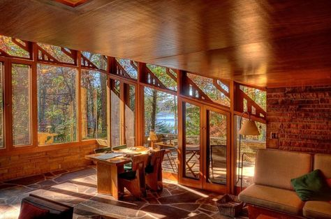 This is the best Bed and Breakfast ambiance ever!  Welcome to the Seth Peterson Cottage | A 1958 Frank Lloyd Wright Masterpiece