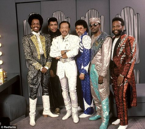Earth, Wind & Fire's Maurice White dies aged 74 after battle with Parkinson's Legendäre Hitmacher: Die 1969 gegründete Band ist. Music Mix, Soul Music, 70s Music, Indie Music, Famous Black People, Black Music Artists, Boogie Wonderland, Funk Bands, Earth Wind & Fire