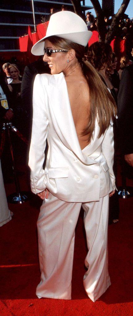 Celine Dion 1999 Oscars Red Carpet Fashion Through The Years Oscars 2017 Photos 89th Academy Awards In 2020 Oscars Red Carpet Dresses Oscar Fashion Best Oscar Dresses