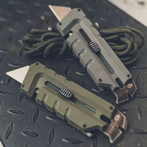 Urban Survival Kit, Survival Tools, Survival Prepping, Survival Quotes, Tactical Knives, Tactical Gear, Edc Tools, Tools Tools, Edc Everyday Carry