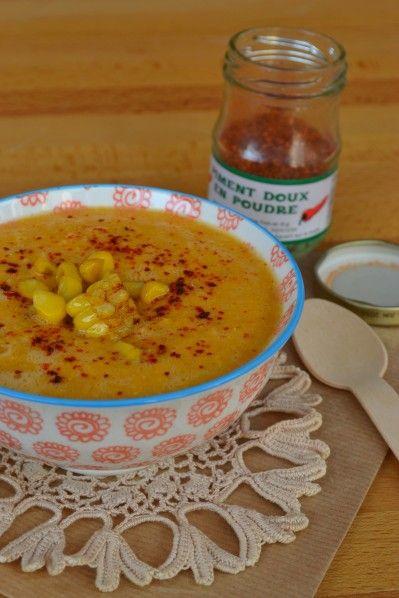 En tant que foodista (= personne qui vit la cuisine et tout ce qui s'y rappoche comme une véritable passion), on s'attend à ce qu'on connaisse tout... Et là je vais vous avouer que je n'avais jamais goûté de soupe de maïs. Et dire qu'en plus, cette soupe...
