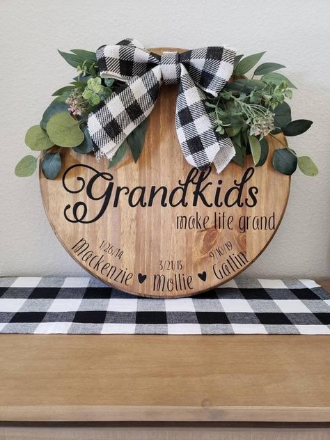 Christmas Signs Wood, Christmas Gifts For Mom, Christmas Crafts, Grandparents Christmas Gifts, Etsy Christmas, Nursery Wood Sign, Porch Wood, Grandparent Gifts, Wood Gifts