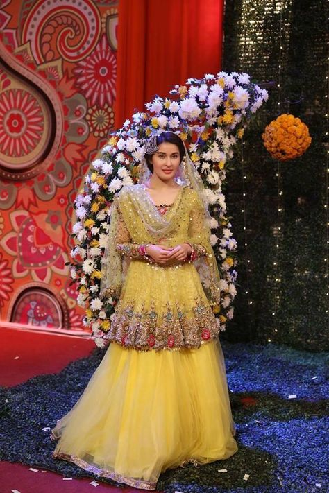 Beutifull wedding party yellow lahnga for mehndi bridal Model #W 915