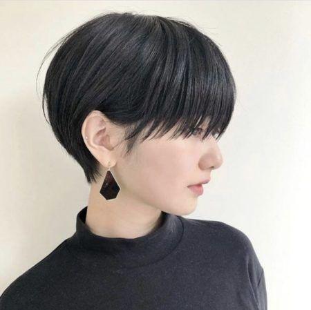 30代髪型 ショートのヘアスタイル 前髪あり 前髪なし パーマ 黒髪