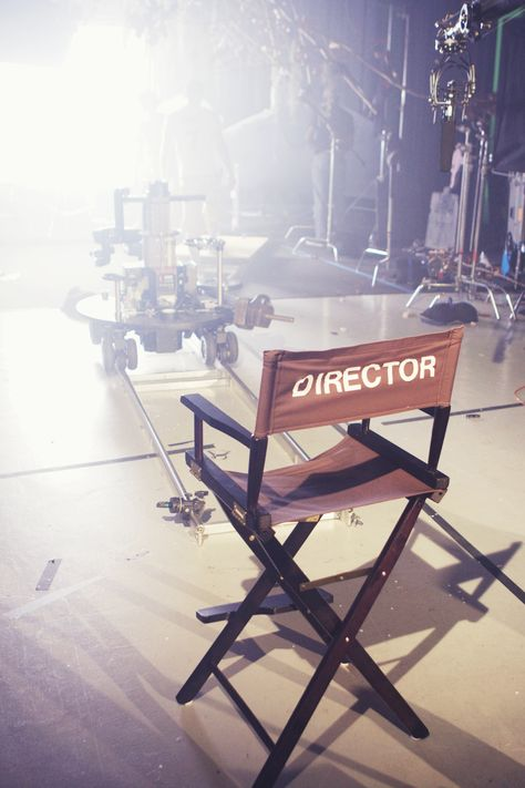 A directors chair on a film set. A director's chair on a film set. The post A directors chair on a film set. appeared first on Film. Filmmaking Quotes, Documentary Filmmaking, Filmmaking Books, Television Set, Visualisation, Film Aesthetic, Film School, Drama School, Film Studio